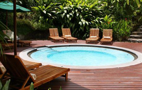 Custom Outdoor Pool